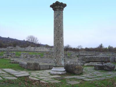 Тронната палата - АМ Велики Преслав