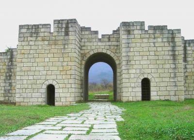 Южна порта на Вътрешният град - АМ Велики Преслав